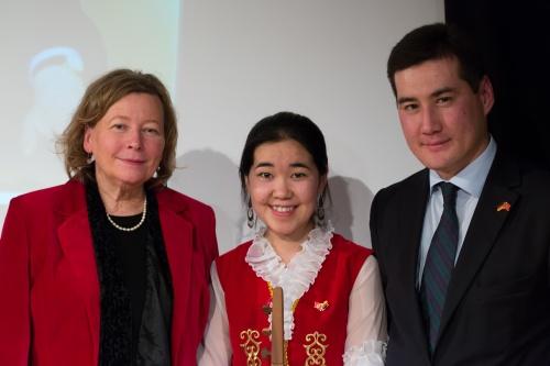 Irmtraud Gutschke, Nurzat Chyntemirova, Konsul Azamat Almakunov