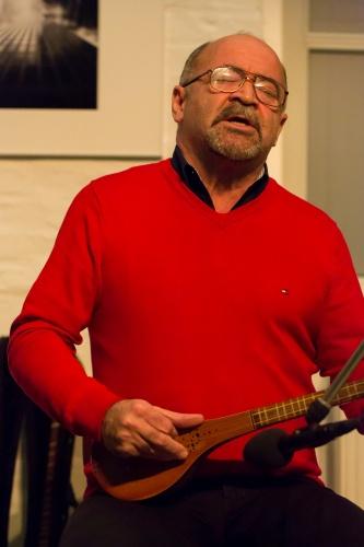 Mehdi Aslani spielt Setar