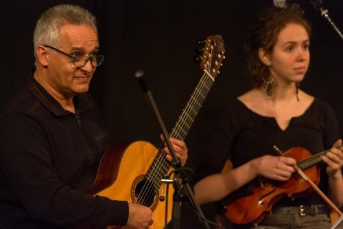 Sadegh Moazzen - Gitarre, Irina Rath - Violine