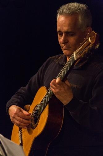 Sadegh Moazzen - Gitarre