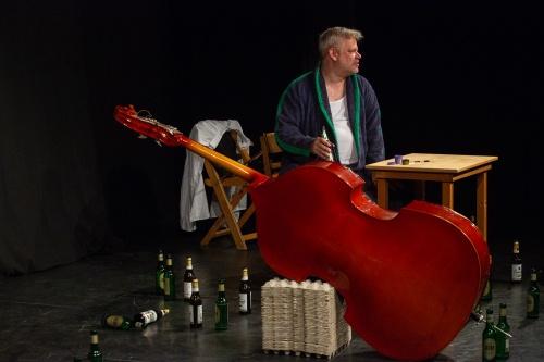 Nisse Kreysing spielt- Der Kontrabass von Patrick Sueskind-3
