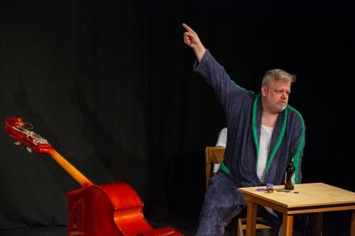 Nisse Kreysing spielt- Der Kontrabass von Patrick Sueskind