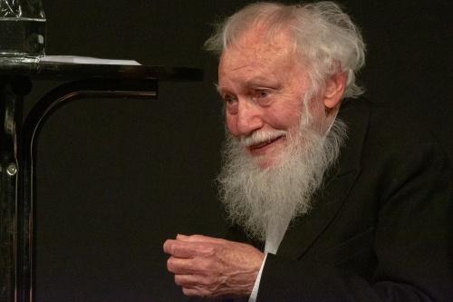 Ernst Pilick rezitiert Franz Kafka, Der Affe als Mensch - ein Mensch als Affe-5