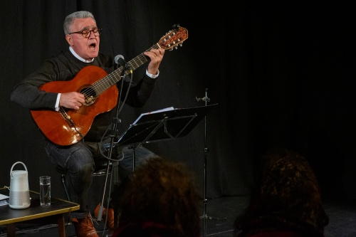 Manuel Salvador da Silva Campos - Gitarre und Gesang-2