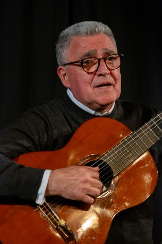 Manuel Salvador da Silva Campos - Gitarre und Gesang-4