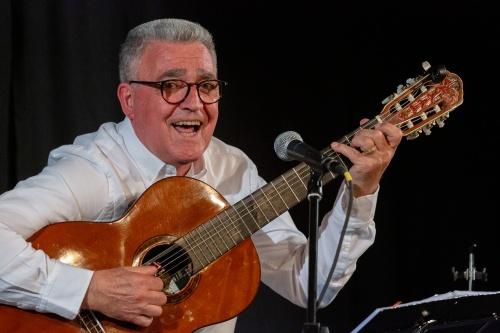 Manuel Salvador da Silva Campos - Gitarre und Gesang-7