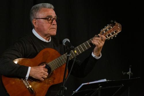 Manuel Salvador da Silva Campos - Gitarre und Gesang