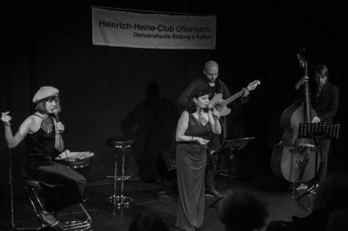 Patrizia Siegmann u. Rita Siegmann - Gesang, Nikolai Muck - Gitarre, Leon Lissner - Bass