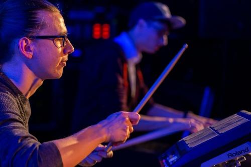 Sebastian Bender Schlagzeug und Sascha Schirrmacher Klavier
