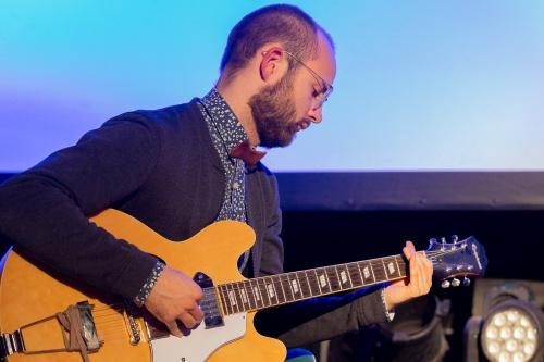 Session- Finn Holitzka  Gitarre