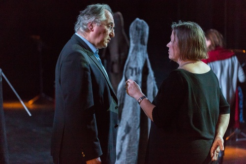 Winfried Becker (GallusTheater) und Ulrike Streck-Plath (Kuenstlerin)