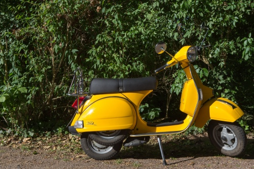 Gelbes Dreirad