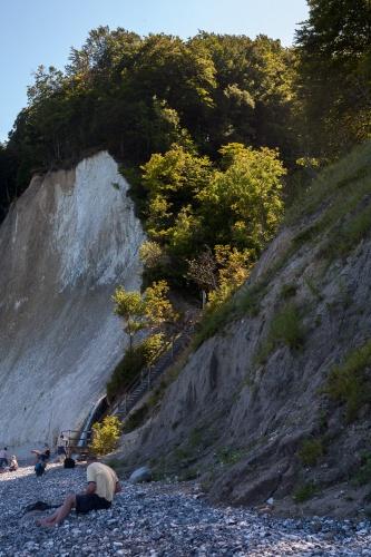 Treppe und Wasserfall am Kieler Ufer