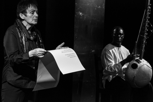 Elisabeth Uloth liest Gedichte von Muepu Muamba, Aziz Kuyateh